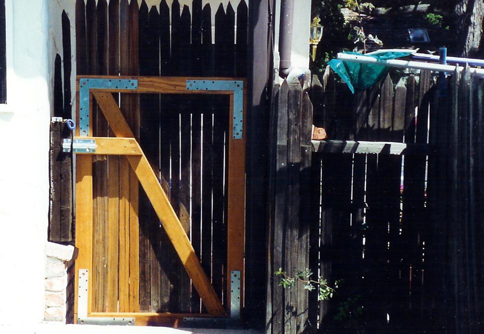 Gate repair (Belmont)